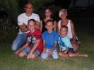 Das sind wir... (hinten v.l.n.r.: Stefan, Larissa, Chrissy; vorne v.l.n.r.: Lukas, Julian und Fabian)